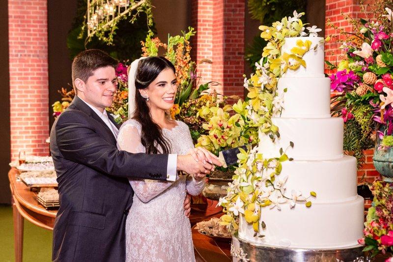 A elegante cerimônia de casamento de Gabriela Geleilate e Thiago Afonso