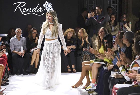 Camila Arraes leva a renda cearense para as passarelas da Milan Fashion Week