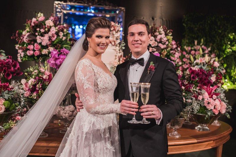chuva de arroz - Chic e Intimista. Foi assim a cerimônia de casamento de Ana Maria Bezerra e Paulo Victor Eufrásio