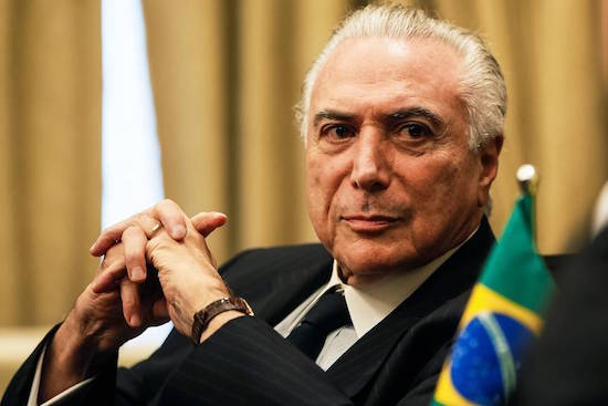Temer passa mal e é levado para centro cirúrgico de hospital em Brasília