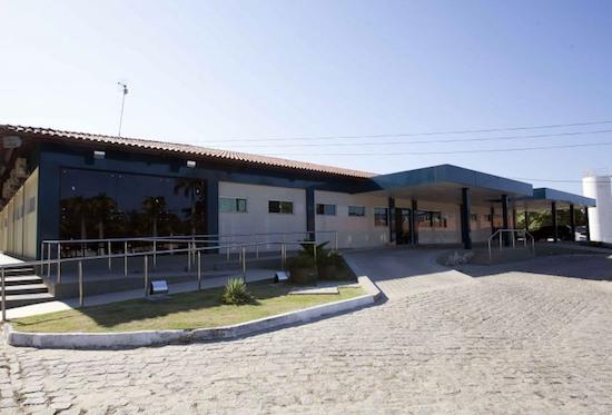 Camilo entrega ampliação do Hospital Municipal do Eusébio