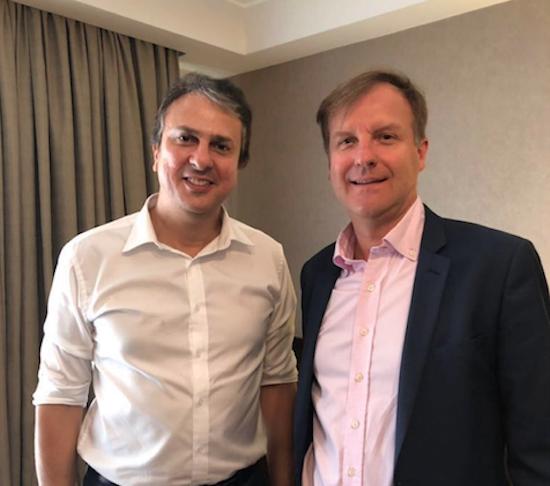Camilo se reúne com diretor da Air France/KLM