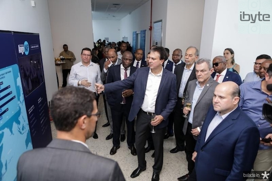 Angola Cables lança PIX na Praia do Futuro