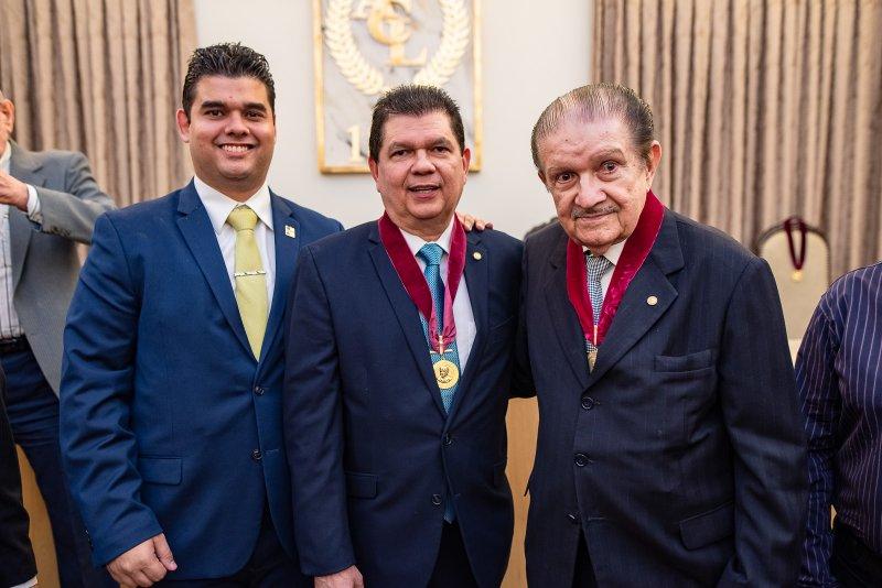 Prestígio puro! Foi assim a posse de Mauro Filho como membro da Academia Cearense de Retórica