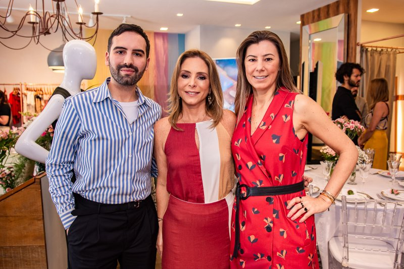 Ana Paula Daud recebe André Boffano na Bobstore, durante almoço de lançamento da coleção Spring 2019