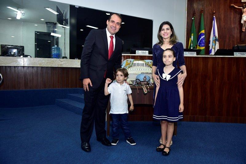 Em prestigiada solenidade, Salmito Filho é homenageado pela Câmara Municipal de Fortaleza