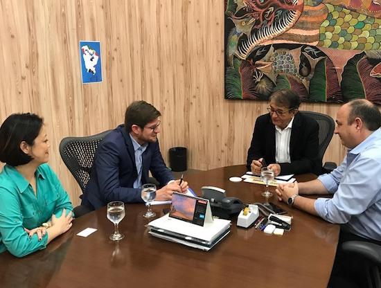 Arialdo Pinho recebe cônsul da Espanha e executivos da Air Europa