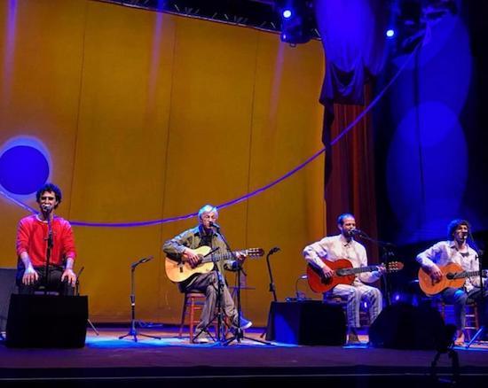 Caetano Veloso sobe ao palco com os filhos em show no Centro de Eventos do Ceará