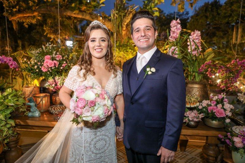 Pipo Restaurante serve de cenário para a elegante cerimônia de casamento de Pedro Gurjão e Isabella Ney