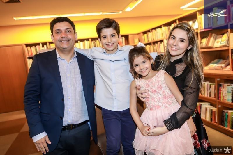 Bruno Queiroz, Leonardo Peixoto, Beatriz Queiroz e Juliana Bastos