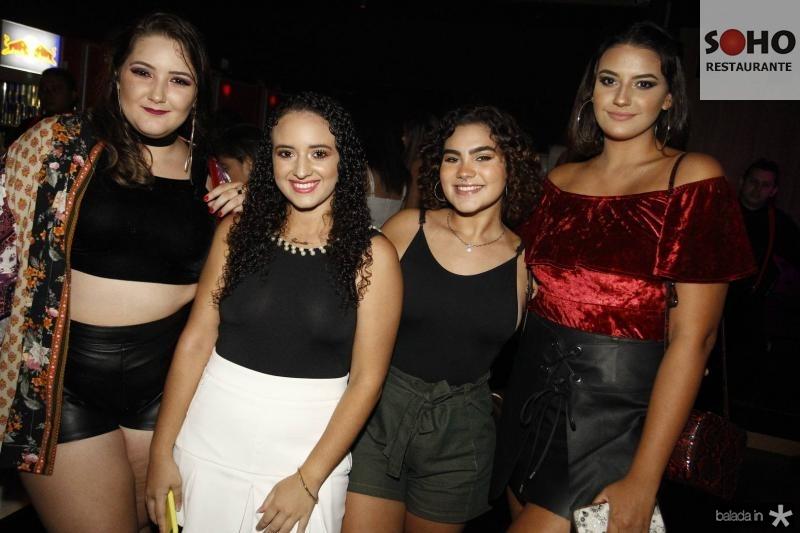Eduarda Esperoto, Gabriela Santos, Thais Oliveira e Vitoria Mendonca