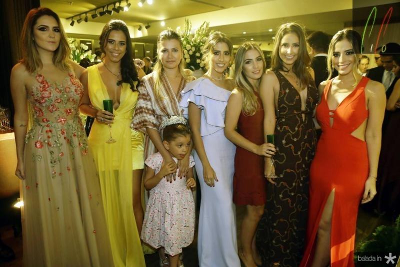 Vanessa Custodio, Rebeca Parente, Yana e Maria Clara Bezerra, Tayra Romcy, Mariane Melo, Ana Mourao e Mikaela Botura