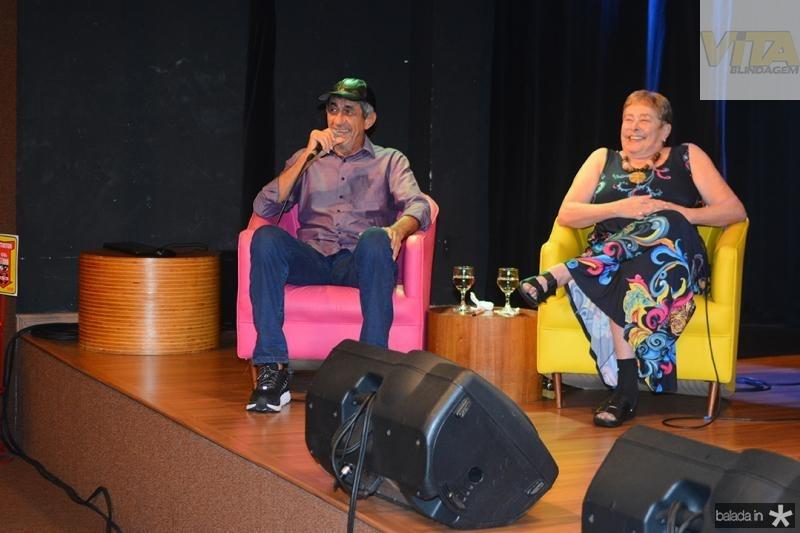 Bate papo com a autora do livro Regina Echeverria e o biografado Raimundo Fagner