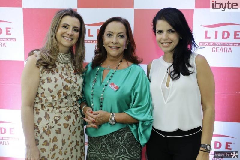 Emilia Buarque, Sandra Costa e Aline Ferreira