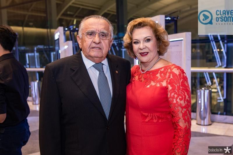 Joao Carlos e Auxiliadora Paes Mendonca