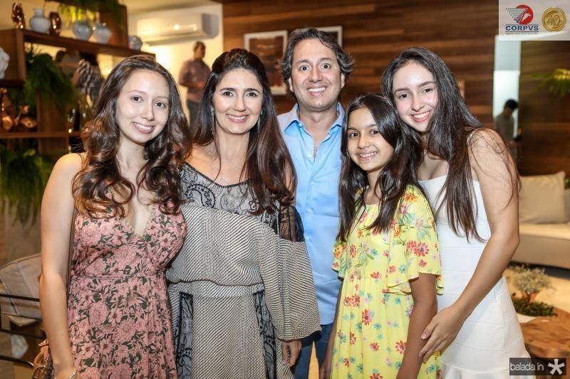 Marilia e Luciana Cidrao, Rodrigo Perente, Livia e Leticia Cidrao
