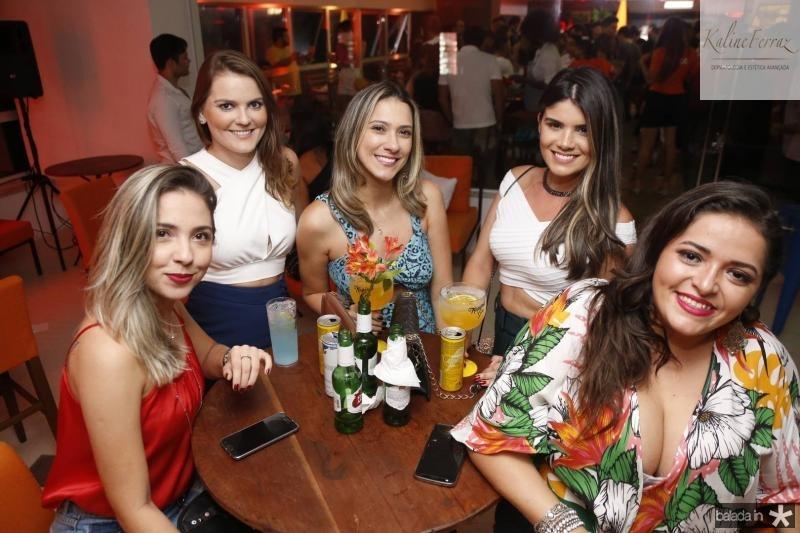 Michele Marques, Bruna Rocha, Gisele Azim, Samira Costa e Amanda Bonfim