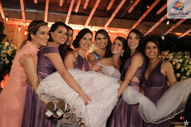 Noiva com amigas