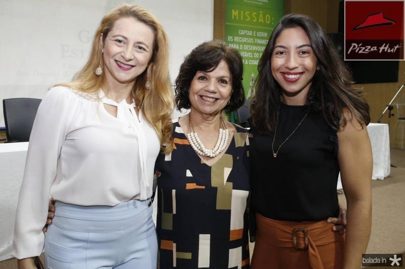 Simone Ribeiro, Candida Torres de Melo e Natasha Bastos