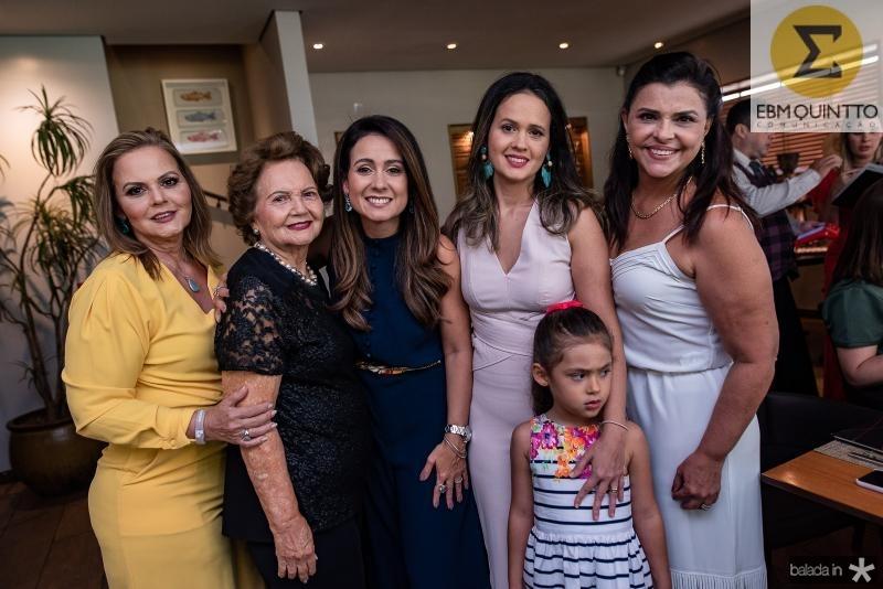Teka Leitao, Rosa Virginia, Claudiana Loureiro, Ticiana Leitao, Gabriela Leitao e Celi Gomes