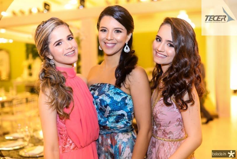 Julia Camelo, Vanessa Gomes e Beatriz Camelo