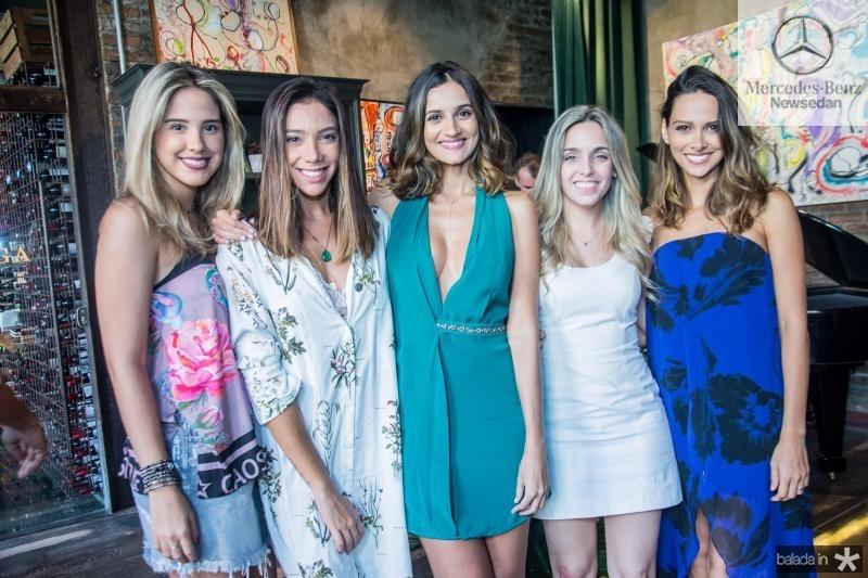 Luciana Carneiro, Priscila Afio, Lu Palhano, Paula Graca e Laura Saldanha