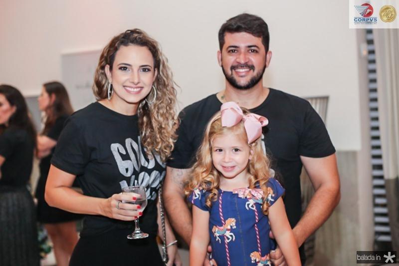 Mayara e Marina Viana e Romeu Ribeiro