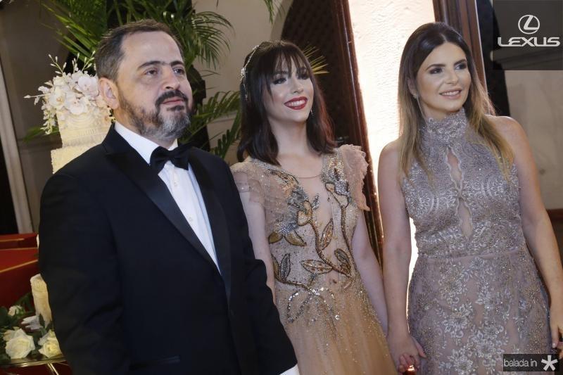Paulo, Lissa e Larissa Moura 1