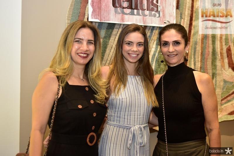 Karmilse e Nicole Marinho, Bete Cunha