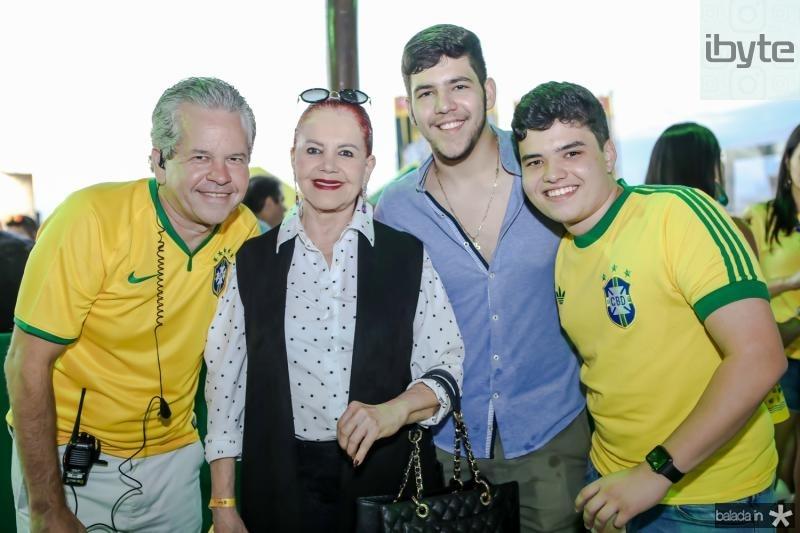 Bira, Claudia e Joao Pedro Broges, Henrique Juaçaba