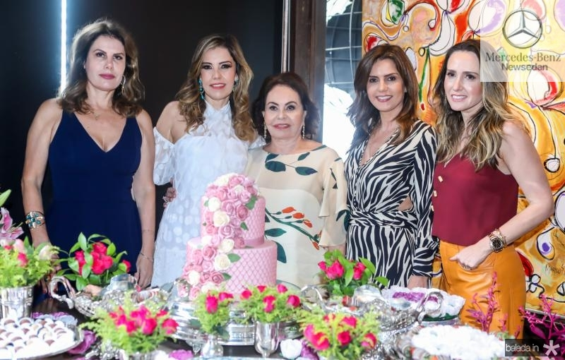 Karla, Rosele, Marli, Patricia e Roberta Nogueira