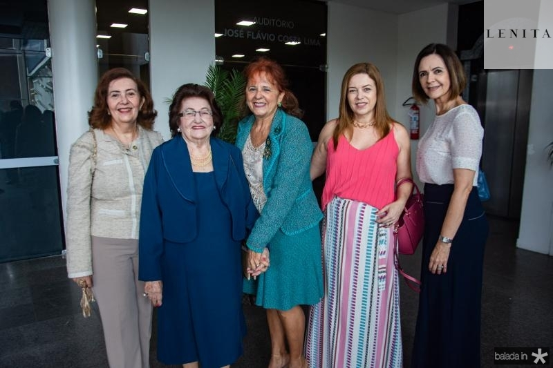 Helena Cavalcante, Olandina Cavalcante, Fatima Duarte, Ines Cavalcante e Mirian Pereira