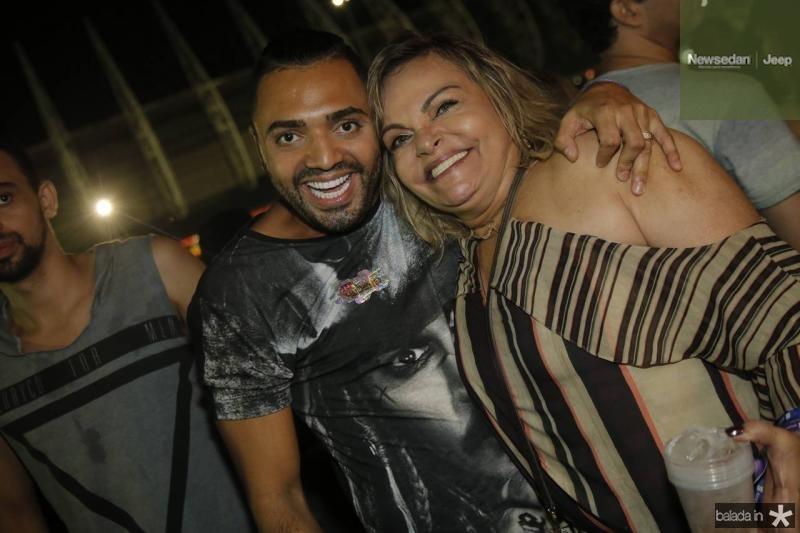 Tirulipa e Thea Moreira