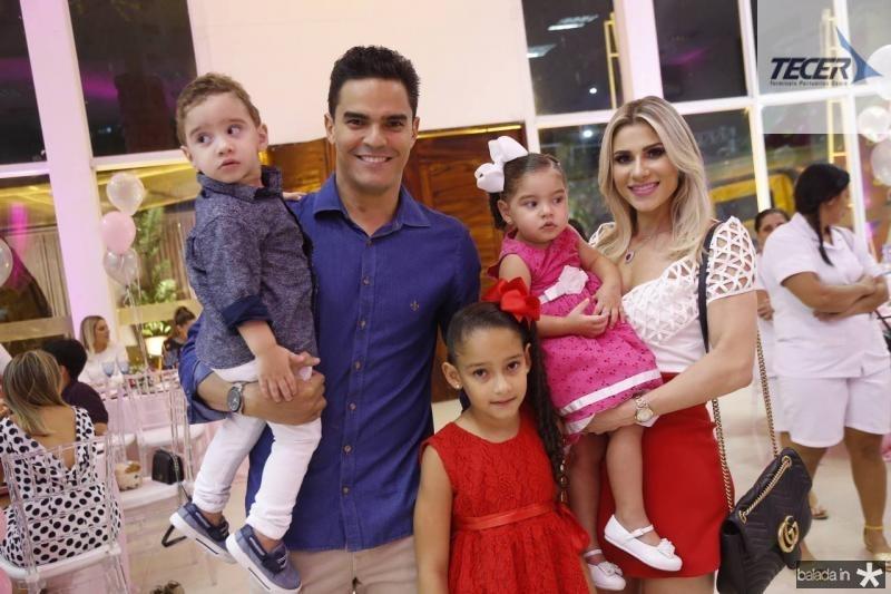 Felipe, Glauco, Melina, Leticia e Patricia Holanda