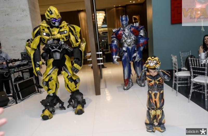 Bumblebee, Victor Barroso e Optimos Prime