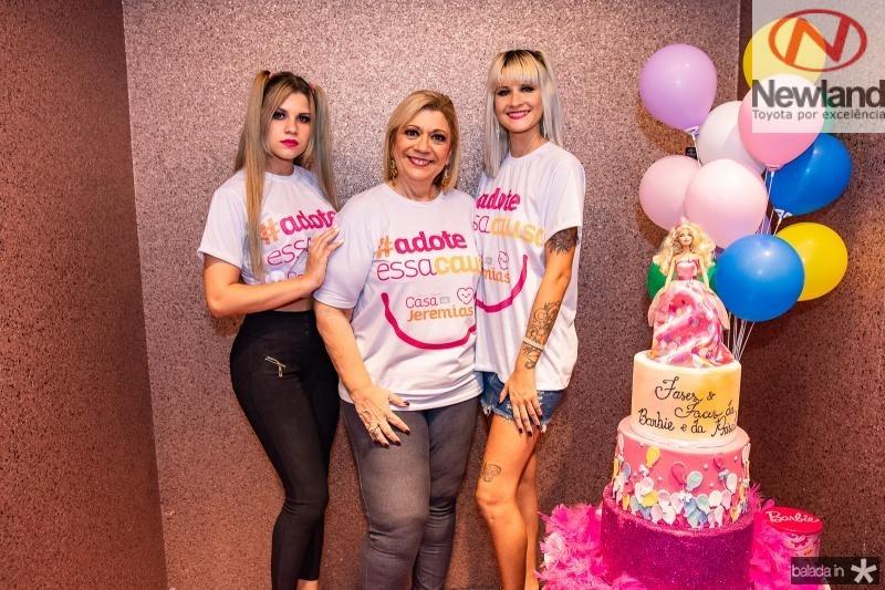 Carol Chimitt,  Priscila Cavalcante e Sarah Chimitt