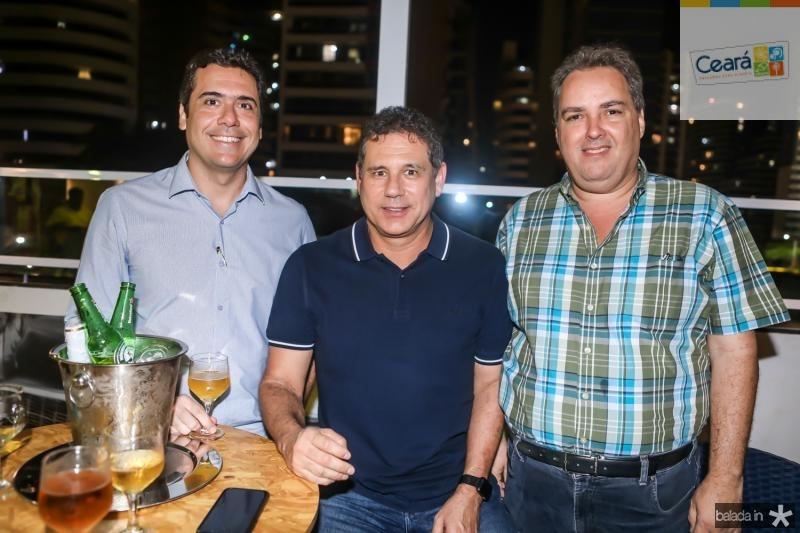 Armando e Marcus Medeiros, Carlos Oliveira