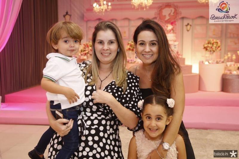 Gabriel, Adriana, Claudiane e Leticia Loureiro