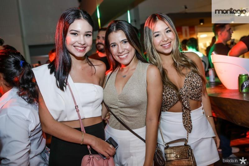 Ligia Duarte, Vitoria Macedo e Nicole Brooks