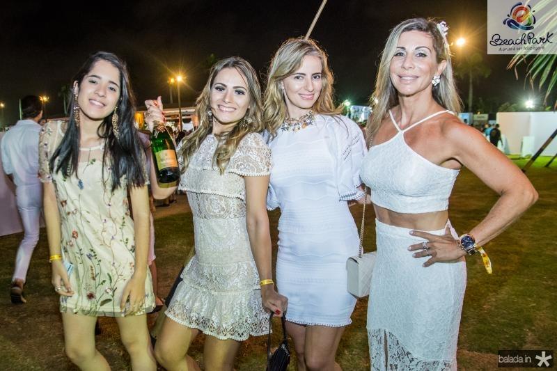 Marina Teixeira, Lilian Sousa, Livia Sousa e Raquel Texeira