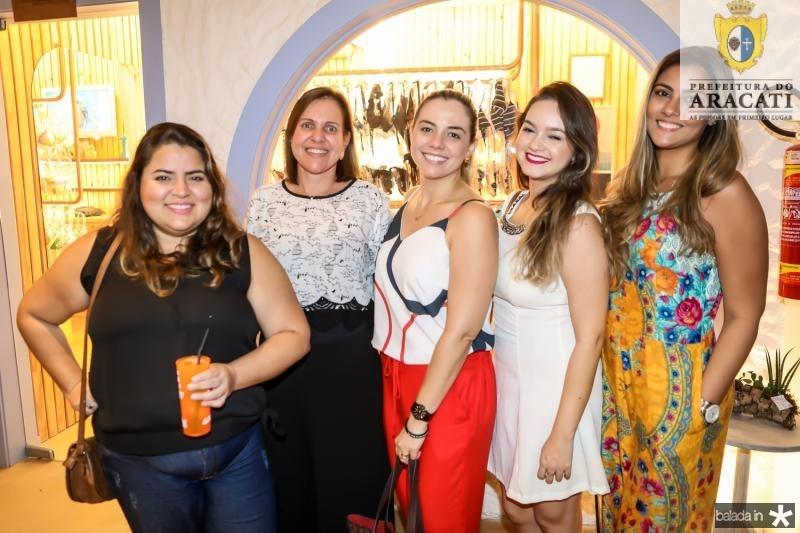 Julia Vieira, Cassia Cetano, Isabel Holanda, Gabriela Adriano e Leticia Lima Verde