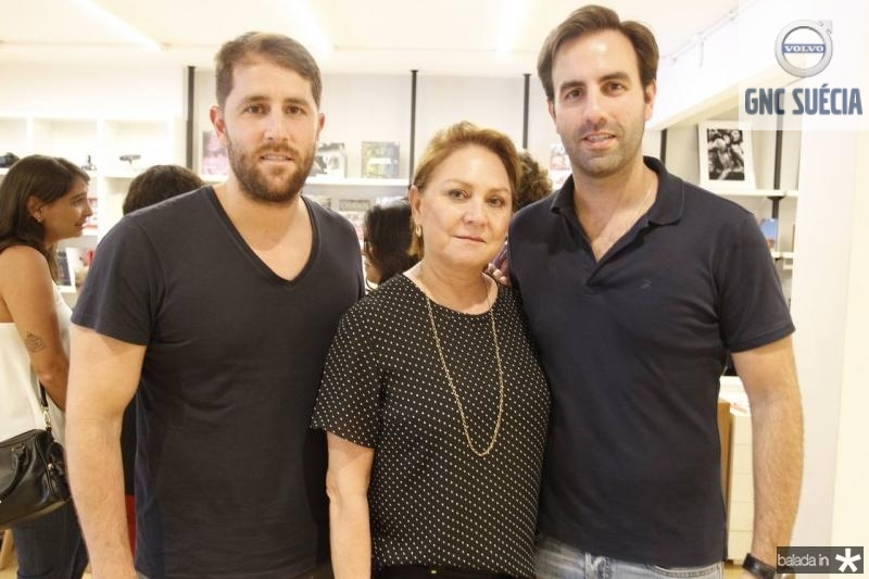 Rodrigo, Paula e Vitor Frota