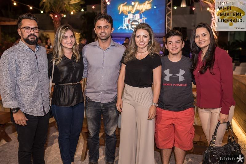 Diego Monteiro, Tereza Monteiro, Bruno Silva, Daniele Peixoto, Vitor Peixoto e Lidia Silveira