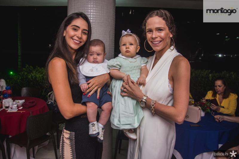 Livia Aguiar, Thomaz Aguiar, Olivia Pontes e Natalia Pontes