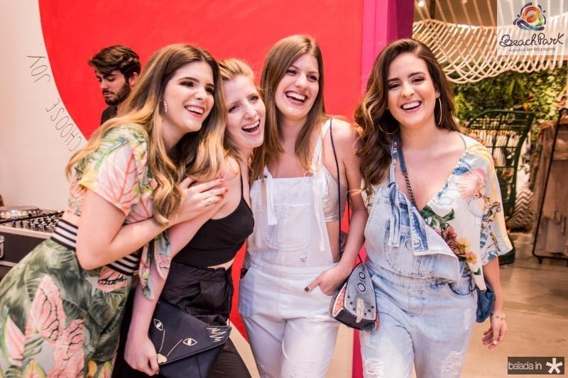 Marcella Feitosa, Vitoria Petri, Maria Eduarda Petri e Amanda Feitosa