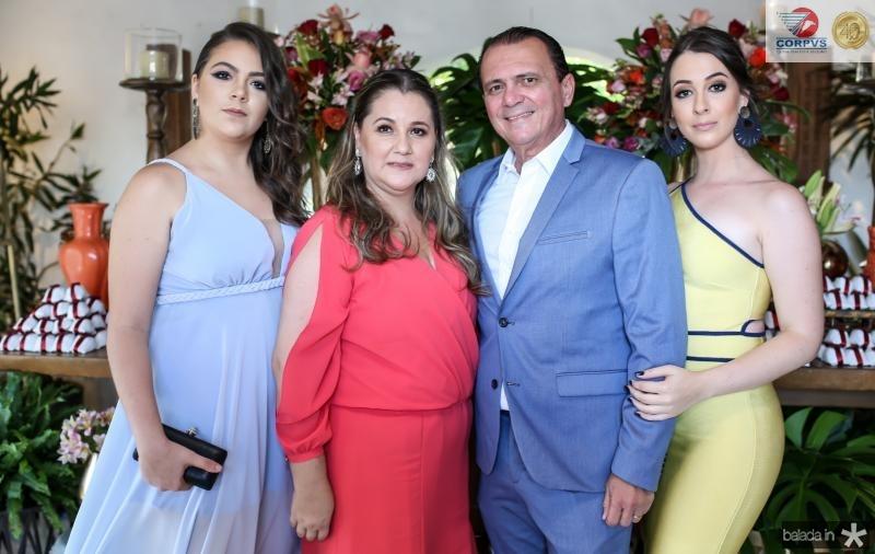 Rebeca , Paula, Jaime e Rafaela Pinheiro