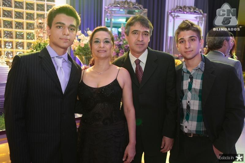 Messias,Ana Angelica,Massias e  Raul Araujo