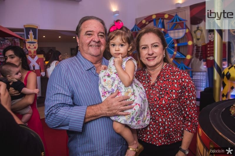 Chiquinho, Catarina e Cristina Aragao