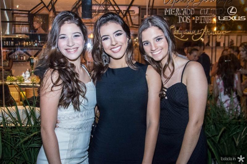 Giulia Barroso, Gabriela Santos e Maria Eduarda Gomes