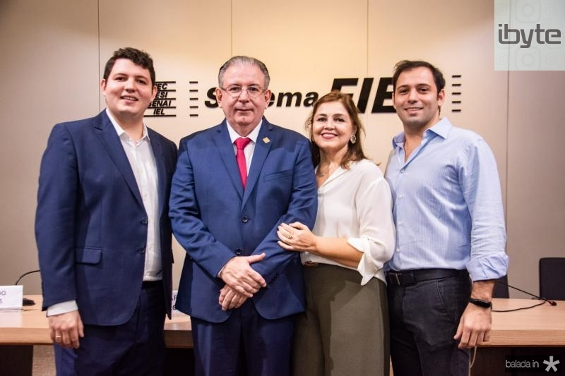 Vitor, Ricardo, Rosangela e Ricardo Cavalcante